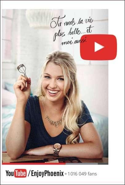 A-t-elle eu une affiche YouTube avec sa photo à Paris ?