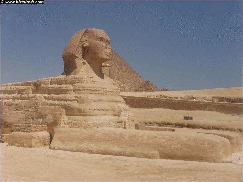 Comment s'appelle cette énorme structure d'Egypte ?