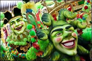 C'est Mardi gras dans notre école, Comme on s'amuse ! Comme on rigolent ! Avec nos masques, Et nos grimaces, Dans le défilé qui passe. Joues rouge, cheveux verts, Pantalons lâchent, et chapeaux de paille, Sur les enfants tout fier, Qui se tortille, Et qui piaillent !  Combien y a-t-il de fautes ?