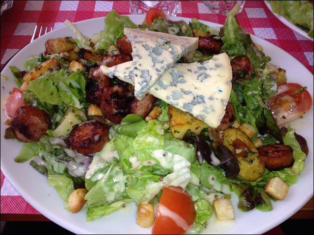 Quelle est cette salade, très appétissante et nourrissante ?
