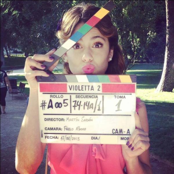 Pourquoi Violetta s'habille-t-elle comme ça ?