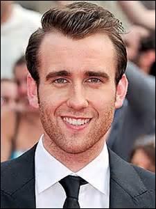En première année, combien de points Neville rapporte-t-il à Gryffondor pour avoir affronter ses amis ?