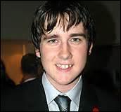 Avec qui Neville se mariera-t-il ?