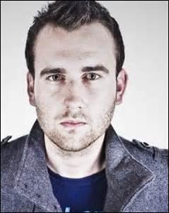 Dans quelle matière Neville excelle-t-il ?