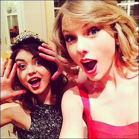 C'était écrit dans le ciel que l'animatrice des Teen Choice Awards était l'âme-sœur de Taylor Swift. Un an seulement sépare les deux stars. Vous savez son nom ?
