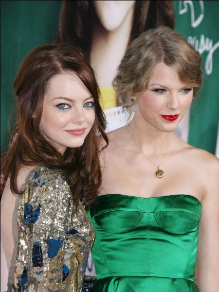 """Le courant semble bien passer entre Taylor et cette comédienne ! Quel est le nom de cette actrice qui joue le rôle d'Olive Penderghast dans """"Easy A"""" ?"""