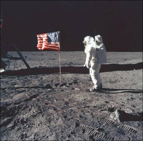 « Un petit pas pour l'homme, un grand pas pour l'humanité ». Neil Armstrong est le premier homme à avoir posé le pied sur la Lune. Vous souvenez-vous de la date de cet événement majeur ?