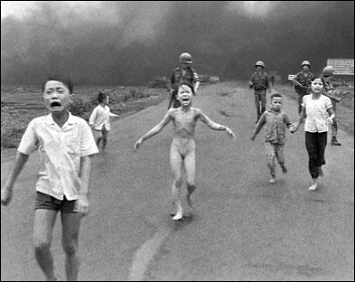 Cette photo du journaliste Nick Ut Cong Huynh a marqué à jamais les mémoires. A quel événement l'associez-vous ?