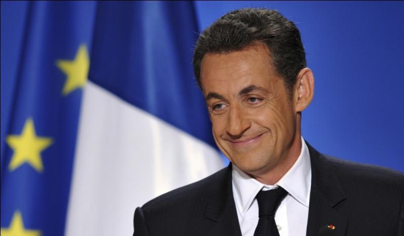 Bon sang ! Mais c'est Sarko ! Nicolas Sarkozy aurait-il du sang bleu ?