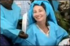 A qui un conseiller UMP de Paris, Alain Destrem, a-t-il comparé Ségolène Royal vêtue d'un boubou bleu?