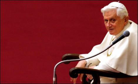 Quand il était cardinal, le pape a accepté qu'un de ses textes soit publié dans une revue d'extrème droite. Laquelle?