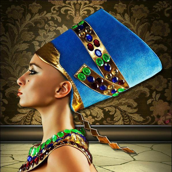 """Qui est cette reine égyptienne ? Son nom signifie """"la belle est venue""""."""