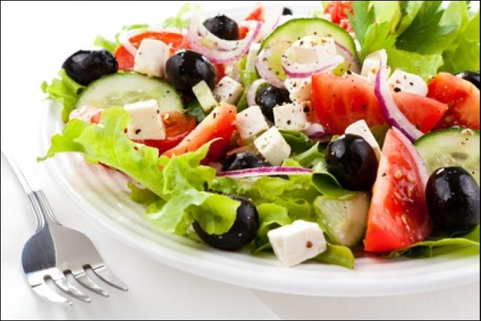 Voici une salade rafraîchissante, au coup d'oeil vous avez sûrement deviné son nom !