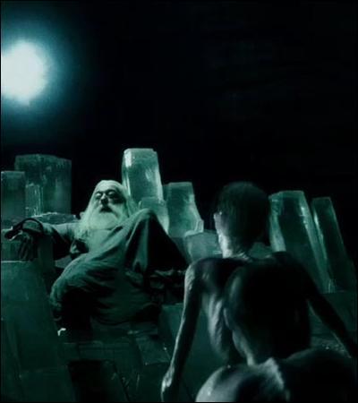 TOP 6 : La scène de la caverne (HP 6).Harry connaît-il un maléfice qui permet de contrer efficacement les Inferi ?