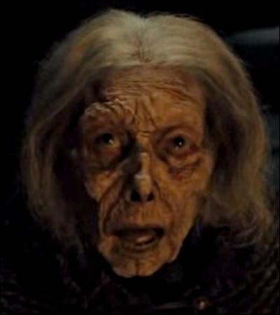TOP 1 : Godric's Hollow (HP7.1).Qui avait dit à Harry qu'il devrait « affronter une forme de magie impossible à imaginer » ?
