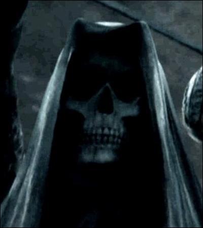 TOP 10 : La scène d'ouverture d'Harry Potter 4.Dans le livre, où les rumeurs de la mort des Jedusor circulent-t-elles au village de Little Hangleton ?