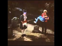 Dans l'épisode 20 de la saison 3 de Austin et Ally, qui a eu la meilleure histoire qui fait peur pour Halloween ?