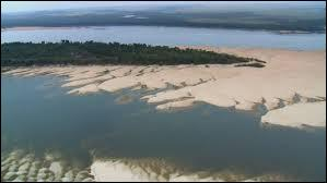 Dans quel pays se trouve l'embouchure du fleuve Orénoque ?