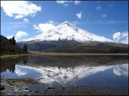 Depuis quelle capitale sud-américaine pourrez-vous contempler au loin le volcan Cotopaxi ?