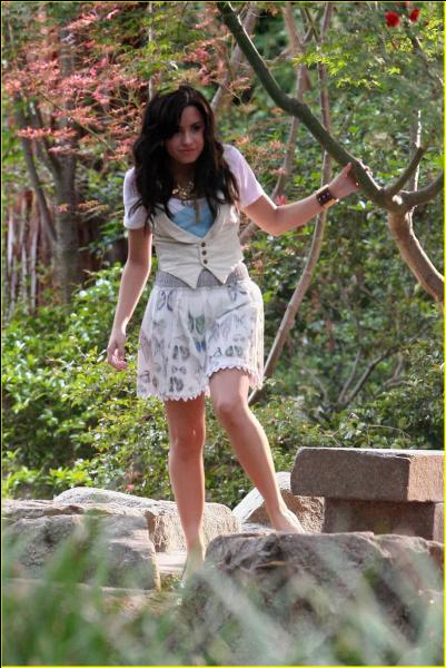 """Demi a interprété cette chanson pour le film d'animation """"Clochette"""". Cette chanson s'appelle comment ?"""