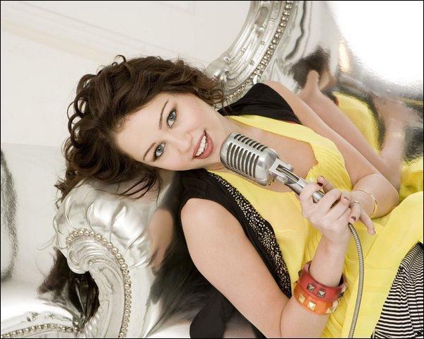 Quel est le nom de l'album sortie par Miley Cyrus le 1er  Septembre?