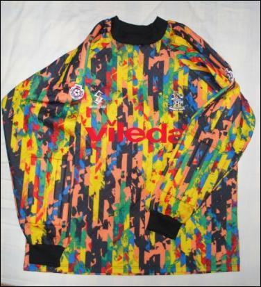Ceci est le maillot de la saison 1993-1994 du gardien du club anglais :