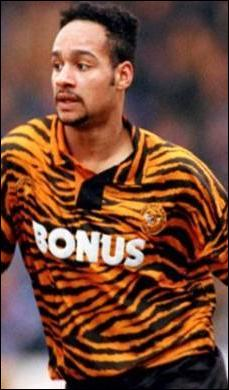 Encore un club anglais et encore la saison 1993-1994 ! Et cette fois c'est le club :