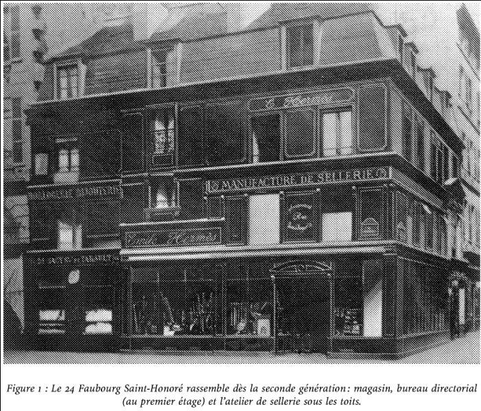 Quel artisan, vendant des harnais, et qui n'était pourtant pas un messager des dieux, s'est installé en 1890, rue du Faubourg Saint-Honoré ?