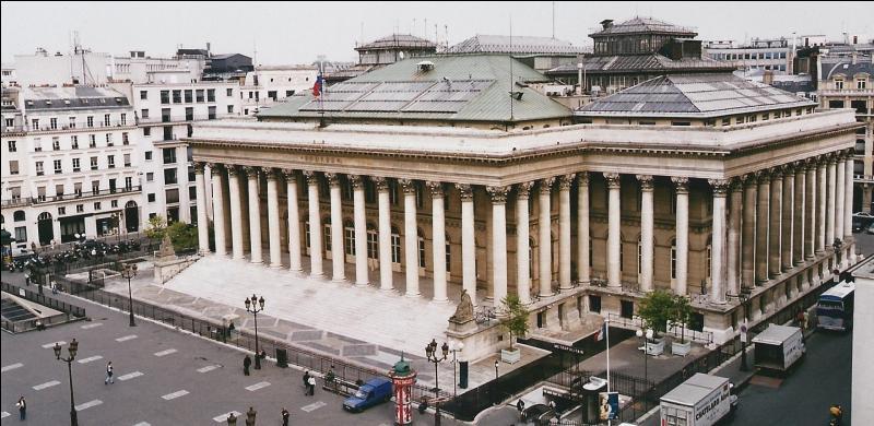 En quittant la rue du Faubourg Saint-Honoré, nous arrivons sur une case jaune. Quelle place sur laquelle est édifiée le Palais Brongniart, y est représentée ?