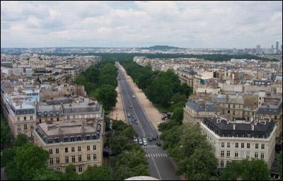Nous voici sur une avenue qui porte le nom d'un grand maréchal, c'est l'avenue Foch. Connaissez-vous le prénom du Maréchal Foch ?