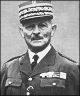 Le 20 mai 1940, un nouveau commandant en chef des armées est nommé pour tenter d'empêcher une déroute annoncée. De quel général s'agit-il ?