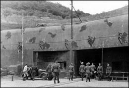Chacune des 2 armées se retranchaient derrière leur ligne de défense fortifiée. Quel était le nom de la ligne de défense française considérée par l'état-major comme une barrière infranchissable ?