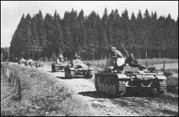 Mais il ne s'agissait que d'une diversion. Le 13 mai 1940 , la véritable offensive de la Wehrmacht a lieu à la surprise générale dans les Ardennes pourtant réputées infranchissables. Comment a-t-on appelé cette offensive ?