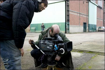 Dans un tournage de cinéma, je suis le responsable de la caméra, la lumière, je gère les plans, je suis...