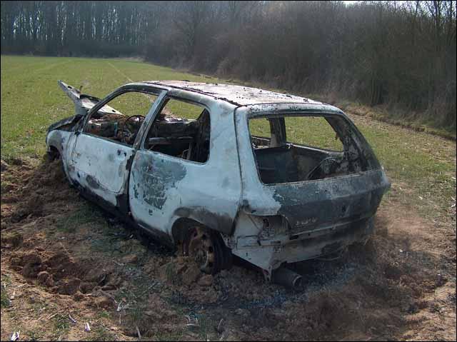 Reconnaissez-vous la voiture totalement ou presque détruite ?