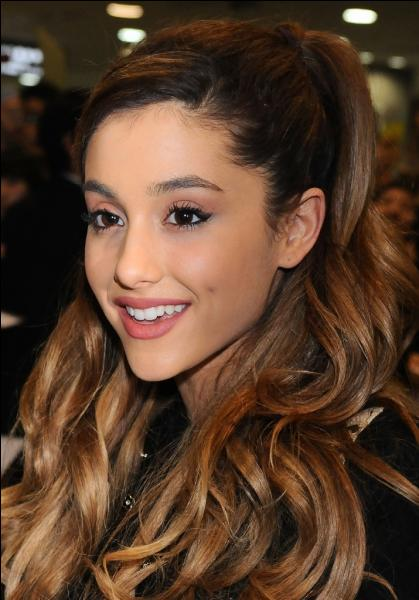 Quel est le nom de famille d'Ariana Grande ?