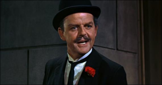 Pamela Travers ne voulait pas que Mr Banks porte la moustache.