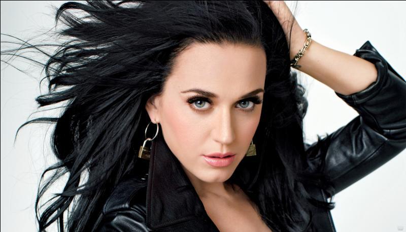 Comment s'appelle la chanson de Katy Perry dont le clip a été tourné dans la jungle ?