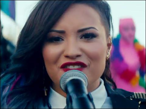 """Demi Lovato a fait un duo avec une autre artiste sur la chanson """"Really don't Care"""" ; qui est-ce ?"""