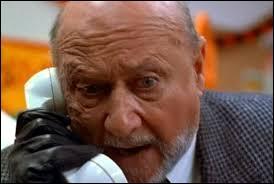 Le personnage ci-contre est le docteur Loomis, expert en psychiatrie. Lequel des deux monstres a-t-il tenté d'étudier et de soigner en vain durant une quinzaine d'années ?