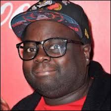 Dans quelle chanson de 2014 apparaît-il avec Issa Doumbia ?
