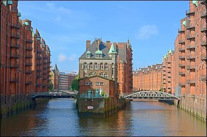 Dans quel pays la ville d'Hambourg se situe-t-elle ?