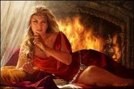 L'une des faiblesses de Cersei Lannister est l'ensemble des relations sexuelles incestueuses qu'elle eut avec son frère, relations qu'elle gardera secrètes. Mais, elle sera tout de même capable de les révéler. Pour quelles raisons ?