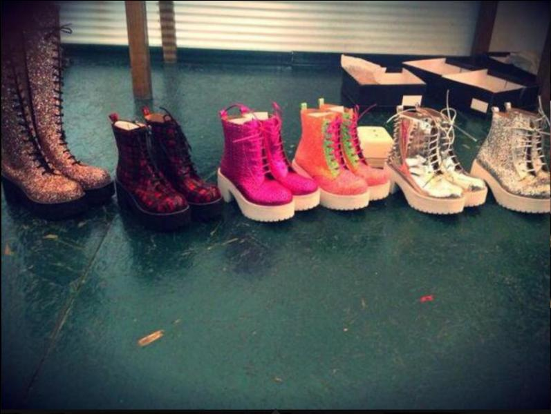 Tini a plus d'un million de paires de chaussures.
