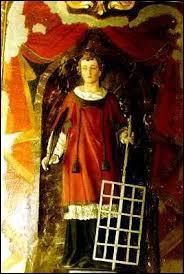 Qui est ce diacre et martyr, ayant refusé de livrer les biens matériels et les archives de l'église dont il a la garde, qui fut torturé et brûlé sur un gril ?