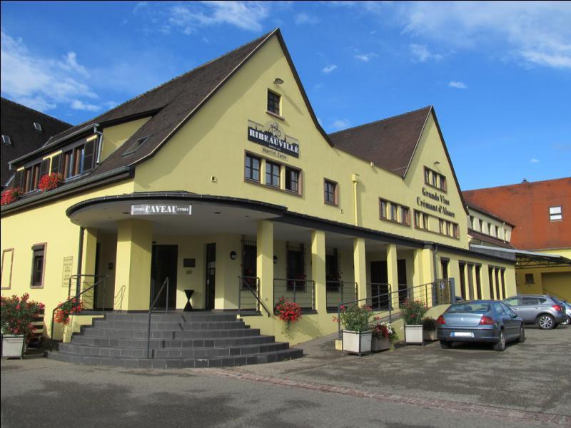 Dans le Haut-Rhin, suivez la 'route des vins d'Alsace' et participez à la fête des Ménétriers à...