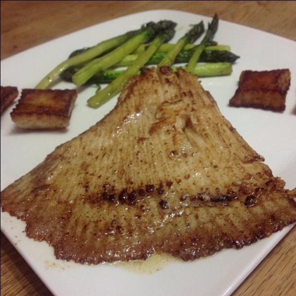 Quel est ce poisson cuisiné au beurre noir ?