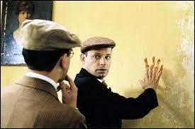 """Qui a écrit """"Le mystère de la chambre jaune"""" ?"""