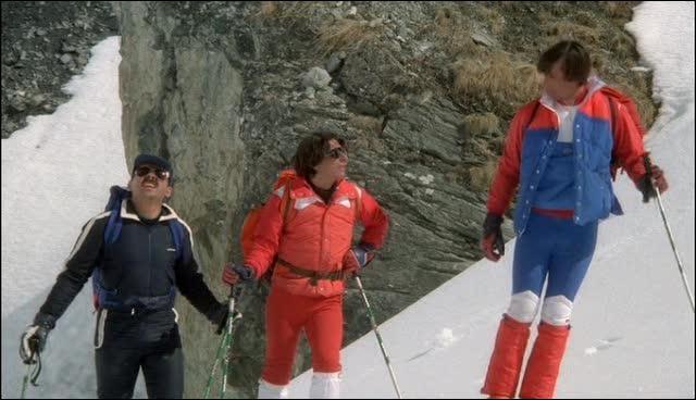 Comment Bernard arriva en haut de la colline ?