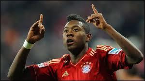Comme défenseur gauche remplaçant, je choisirais un joueur du Bayern Munich, un Autrichien. Son nom est Alaba, mais quel est son prénom ?